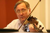Dr. Ostoros Gyula tüdőgyógyász, klinikai onkológus - brácsa